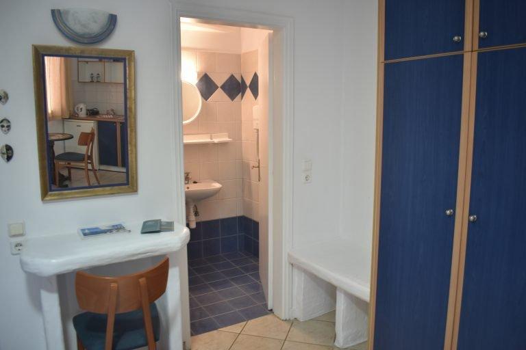 Room 9 mirror and bathroom
